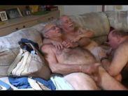 Velho pai transando com filho gay